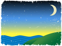 Colline vicine crepuscolari vicino all'oceano Fotografie Stock Libere da Diritti