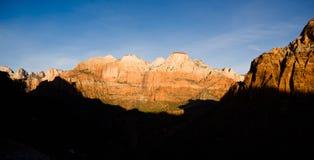Colline Zion National Park Desert Southwest dell'alta montagna di alba fotografia stock