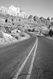 Colline Zion National Park Desert Soutwest dell'alta montagna di alba della strada Fotografia Stock