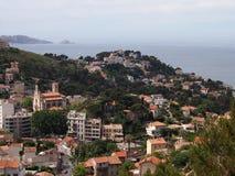 Collines de Marseille à la côte image libre de droits