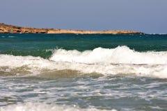 Collines de mer Égée de Prasonisi loin Photo stock