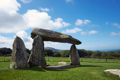 Collines Pembrokeshire Pays de Galles de Preseli de chambre d'enterrement de Pentre Ifan photo libre de droits