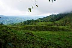 Collines près de centre biologique Perez Zeledon de Las Quebradas Image libre de droits