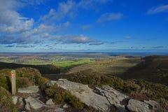 Collines Rothbury le Northumberland de Simonside images stock