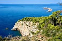 Collines sur l'île adriatique image stock