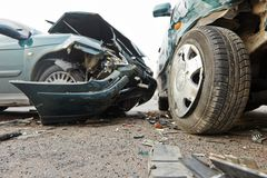 Collisione di incidente stradale in via urbana Immagine Stock Libera da Diritti