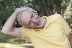 collo dell'uomo che effettua stirata maggiore Fotografia Stock