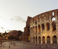 Colloseum i aftonen, Rome, Italien Arkivbilder