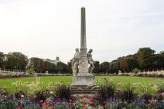 Collumn memorável de Auguste Scheurer-Kestner em Paris imagens de stock