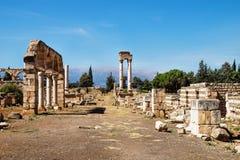 Collumns i den Umayyad staden fördärvar i Anjar, Bekaa Valley, Libanon royaltyfri foto