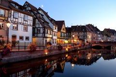 Colmar, França (pouca Veneza) na noite Foto de Stock Royalty Free