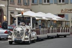 Colmar, Frankreich - touristischer Zug Lizenzfreie Stockbilder