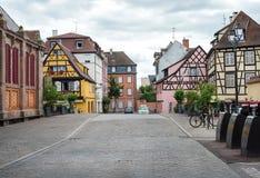 COLMAR, FRANKRIJK - JUNI, 20: Betimmerd kleurrijk Stock Afbeeldingen