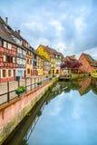 Colmar, Petit Wenecja, wodny kanał i tradycyjni domy. Alsace, Francja. Zdjęcia Royalty Free