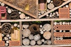 Colmena inusual de la abeja en el valle de Almtal Fotos de archivo libres de regalías