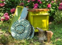 Colmena y equipo de la apicultura Fotos de archivo libres de regalías