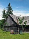 Colmenas de madera de la abeja en Pribylina Fotos de archivo