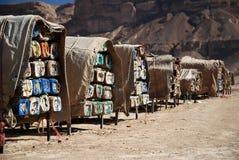Colmenas en el barranco de Wadi Hadhramaut en Yemen imágenes de archivo libres de regalías