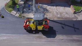 Colocação do asfalto Opinião superior do Roadwork vídeos de arquivo