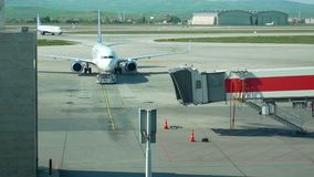 Coloca el aeroplano del aeropuerto almacen de metraje de vídeo