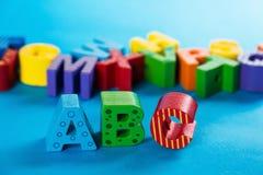 Colocación de madera de las letras de ABC Foto de archivo libre de regalías