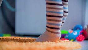 Colocación en los dedos del pie almacen de video