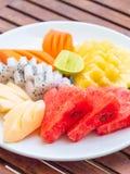 Coloful vele vruchten in witte plaat Stock Afbeelding