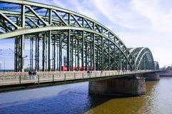 Cologne överbryggar arkivbild