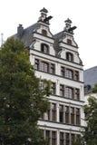 COLOGNE, ALLEMAGNE - 11 SEPTEMBRE 2016 : Maisons colorées dans le style bavarois dans la vieille ville de Cologne, Rhénanie-du-No photos stock