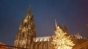 Cologne domkyrka på jul royaltyfri fotografi