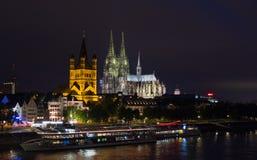 Cologne domkyrka på natten Royaltyfri Foto