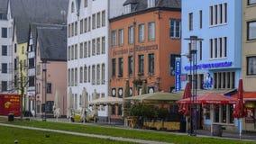 COLOGNE/GERMANY - Marzec 2019: Gastronomiczna ulica i domy w dziejowym Altstadt Kolonia blisko Heumarkt lub centralnym mieście obraz royalty free