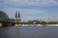 Cologne - horisont med den Cologne domkyrkan Royaltyfri Foto