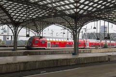 Cologne järnvägsstation, Tyskland royaltyfria bilder