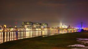 Cologne la nuit photographie stock