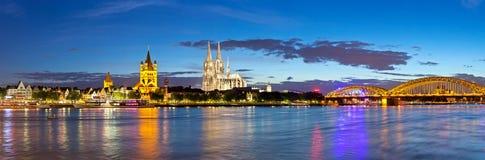 Cologne stad och Rhine River Fotografering för Bildbyråer