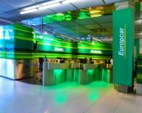 Cologne Tyskland - December 12, 2017: Kontor för Europcar bilhyra på Frankfurt Hahn Airport i Tyskland Royaltyfri Fotografi