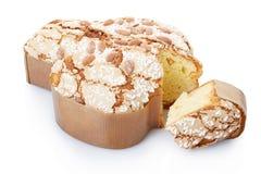 Colomba,意大利人与切片的复活节蛋糕 免版税图库摄影