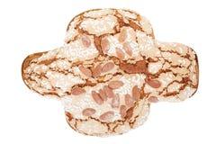 Colomba,意大利人复活节蛋糕用杏仁 免版税库存照片