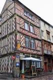 Colombage hus i Rennes, Frankrike arkivbild