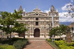 Colombia - Santa Fe de Antioquia - kyrka av Santa Barbara Arkivfoto
