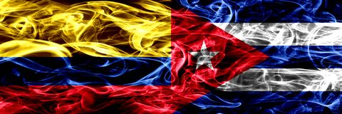 Colombia versus Cuba, Cubaanse zij aan zij geplaatste rookvlaggen Dik gekleurde zijdeachtige Cubaanse rookvlaggen van Columbiaans royalty-vrije illustratie