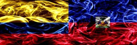 Colombia versus Haïti, Haïtiaanse zij aan zij geplaatste rookvlaggen Dik gekleurde zijdeachtige rookvlaggen van Columbiaans en Ha vector illustratie