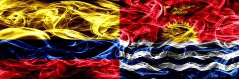 Colombia versus Kiribati zij aan zij geplaatste rookvlaggen Dik gekleurde zijdeachtige rookvlaggen van Columbiaans en Kiribati vector illustratie