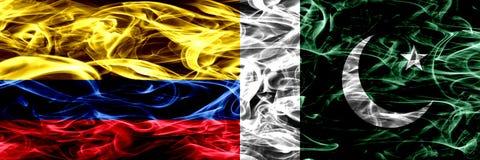 Colombia versus Pakistan, Pakistaanse zij aan zij geplaatste rookvlaggen Dik gekleurde zijdeachtige rookvlaggen van Columbiaans e vector illustratie