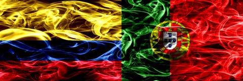 Colombia versus Portugal, Portugese zij aan zij geplaatste rookvlaggen Dik gekleurde zijdeachtige rookvlaggen van Columbiaans en  stock illustratie