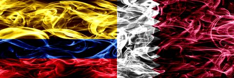 Colombia versus Qatar, Qatari-zij aan zij geplaatste rookvlaggen Dik gekleurde zijdeachtige rookvlaggen van Columbiaans en Qatar, royalty-vrije illustratie