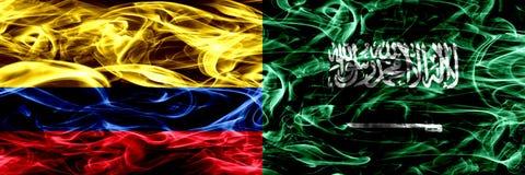 Colombia versus Saudi-Arabië, Arabische zij aan zij geplaatste rookvlaggen Dik gekleurde zijdeachtige rookvlaggen van Columbiaans stock illustratie