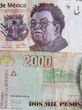 colombiansk sedel av 2000 sedel för pesos och för 500 mexikanska pesos, bakgrund och textur Arkivfoton