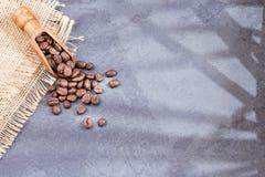 Colombianskt grillat kaffe - Coffea Utrymme för text fotografering för bildbyråer